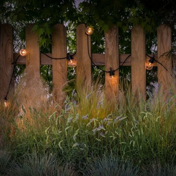 guirlande LED guinguette transparent, en situation jardin
