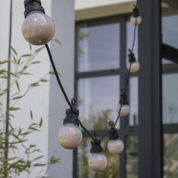 coffret guirlande LED guinguette granit, en situation