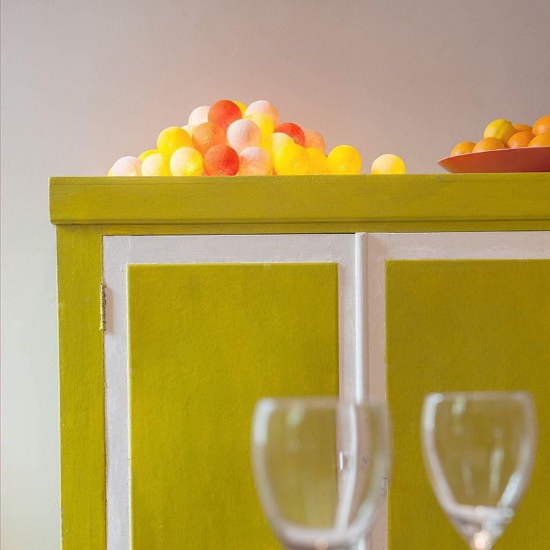 guirlande lumineuse boules oranges jaunes