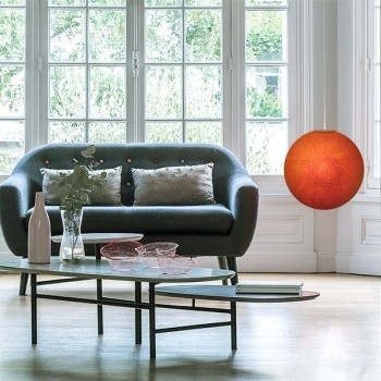 Abat jour globe orange allumé