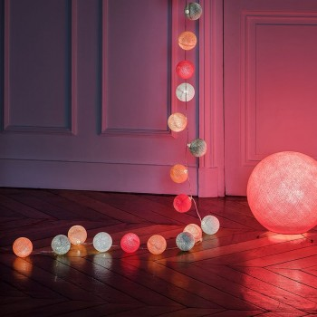 guirlande lumineuse rose blanc LEDS clipsables Nina, en situation